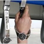 IWC 時計のつり革広告