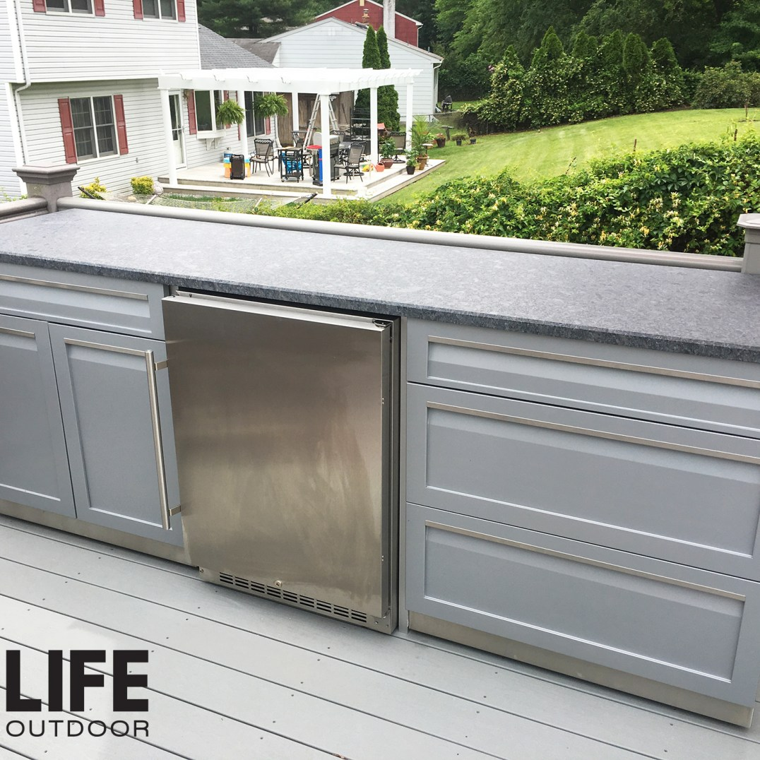 4 Life outdoor 2pc Gray set on patio customer image 2000