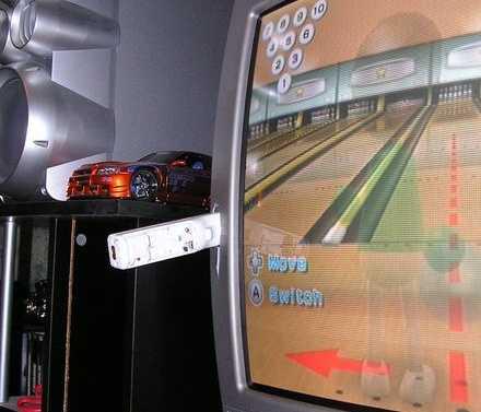 wiimote skewer - Nintendo Wii, nonostante il richiamo, naviga nell'oro