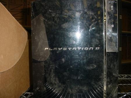 PS3impolverata - Invia la PS3 in assistenza e Sony gli risponde che è troppo impolverata