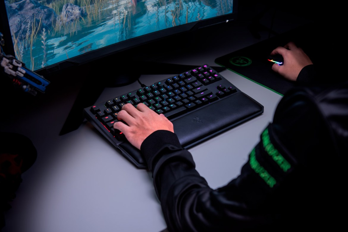 RZR BWTECV2 07 - Recensione Razer Blackwidow Chroma Tournament Edition V2