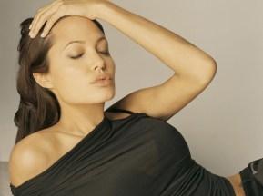 ws_Angelina_Jolie_#5_1600x1200