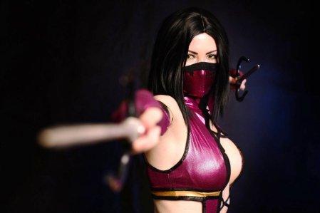 cosplay_mileena__mortal_combat_9_by_asherwarr-d56jize