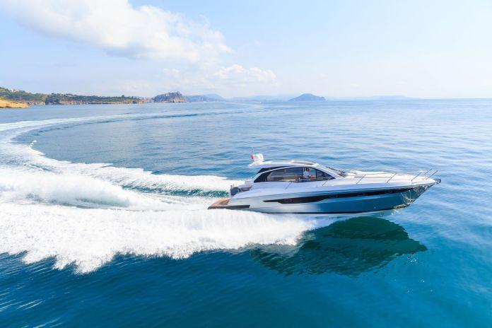 Boot mit einem Motorantrieb