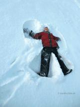 winter-schneeengel-engel im schnee