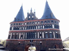 luebeck-holstentor-stadttor