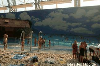 tropical island-strand-schwimmbad-freizeitpark