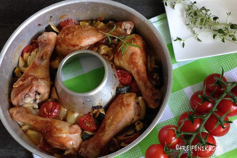 Hähnchenschenkel auf Ratatouille-Gemüse