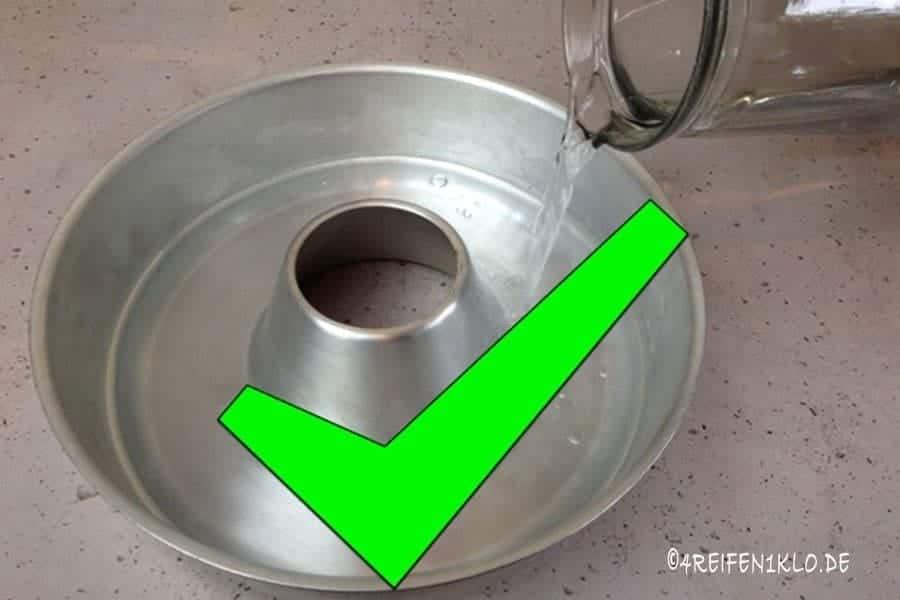 Ommnia-BAckofen mit Wasser reinigen