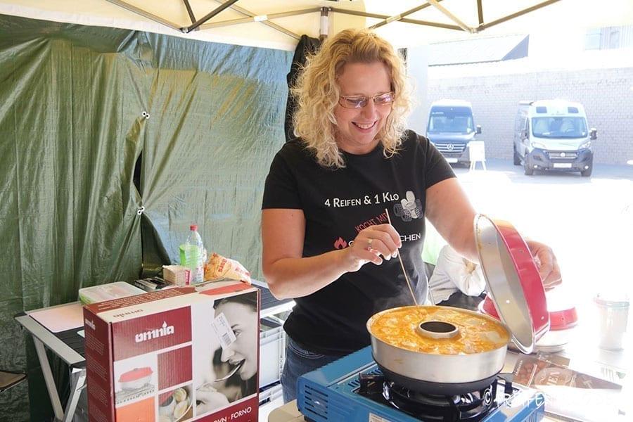 Omnia-Live-Kochshow mit 4 Reifen 1 Klo