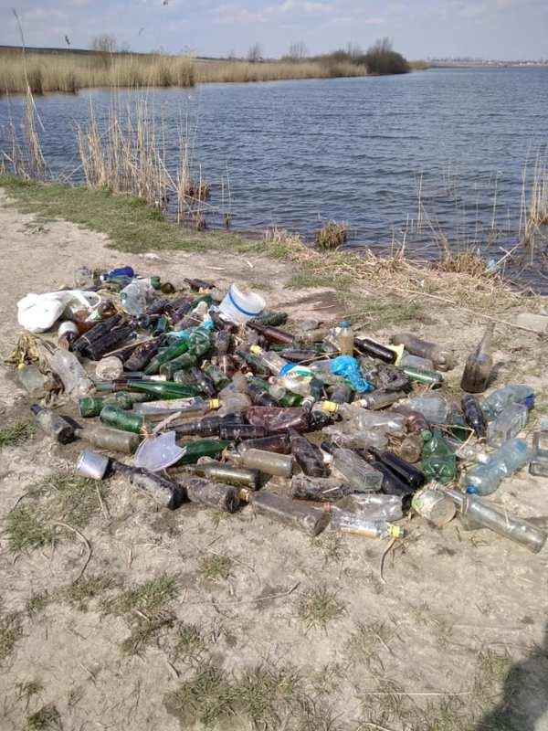 Як на Яворівщині засмітили берег озер (ФОТО) - Четверта студія