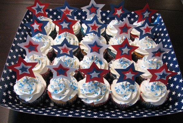 4th of July Cupcakes with Decorations