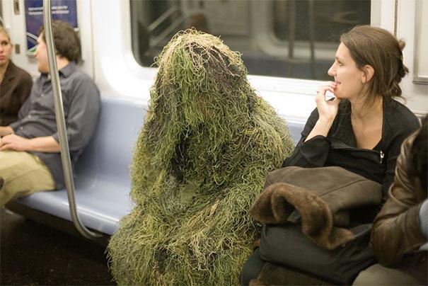 люди видели в метро странные вещи, странные люди в метро