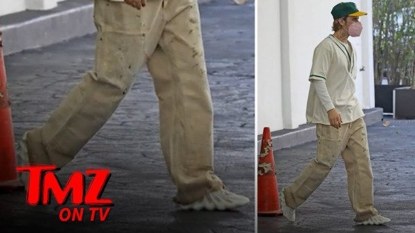 Justin Bieber Rocking Kanye's Sold Out Yeezy 450 in Cloud Whites | TMZ TV