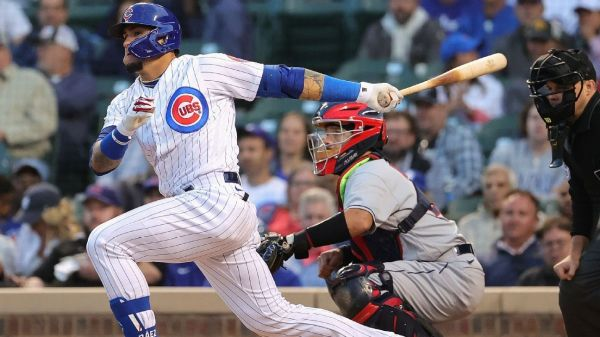 Chicago Cubs' Javier Baez benched by manager David Ross after losing track of outs in defeat