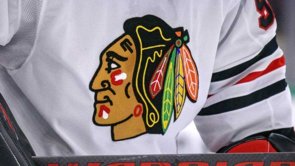 In lawsuit, unidentified former Blackhawks player says ex-assistant sexually assaulted him, team did nothing
