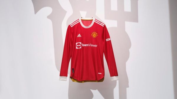 Manchester United's new kit harks back to George Best era; Barcelona pay homage to women's team