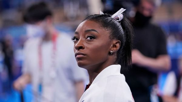Olympic women's gymnastics live updates -- Simone Biles out as Team USA competes in team finals