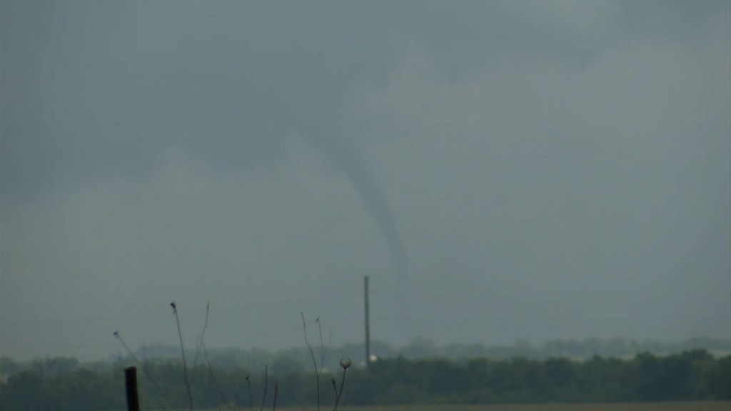 Tornados reported in northern Chicago suburbs