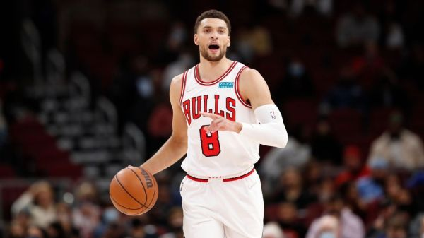 Chicago Bulls' Zach LaVine playing through left thumb injury