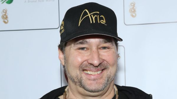 Phil Hellmuth extends record with 16th career World Series of Poker victory