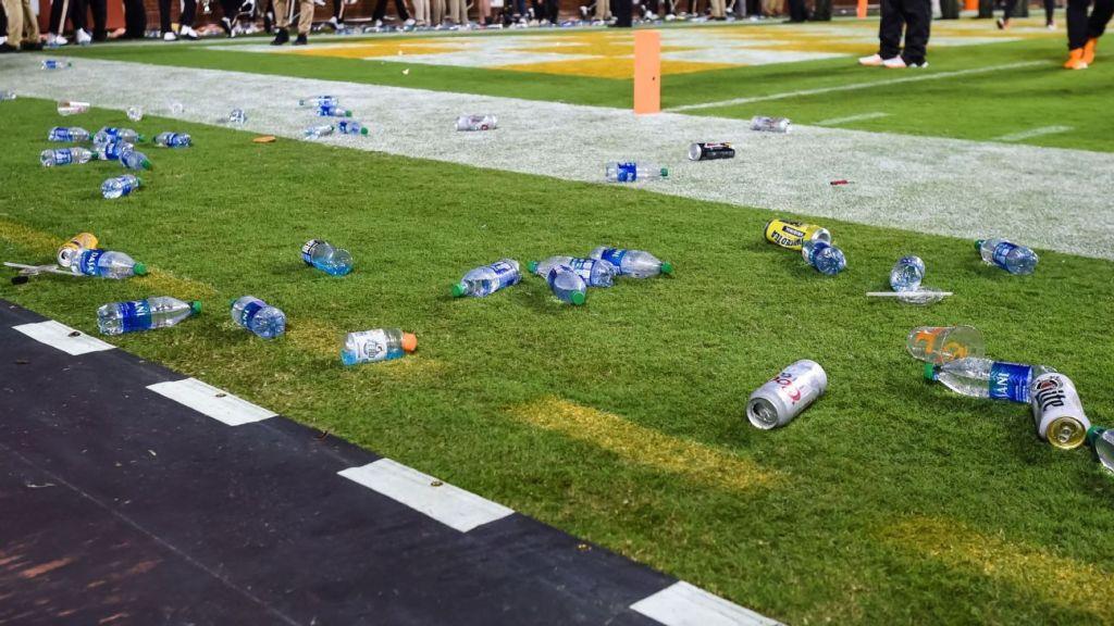 Tennessee Volunteer fans pelt field, nearly hit Lane Kiffin after call seals Ole Miss win