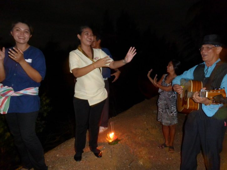 Locals dancing along to the Loi Krathong song