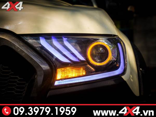 Độ đèn Ford Ranger: Chiếc bán tải Ford Ranger với cụm đèn trước độ kiểu Ford Mustang