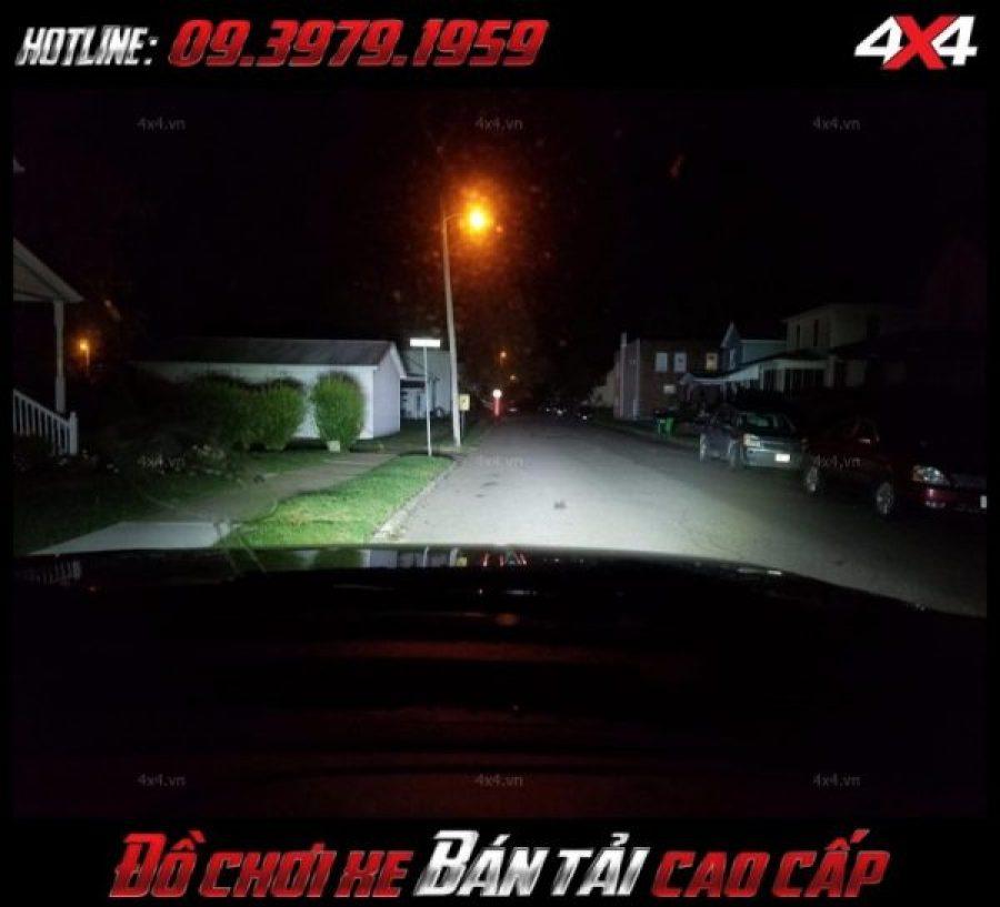 Độ sáng của đèn led bar 10D độ đèn FOrd Ranger