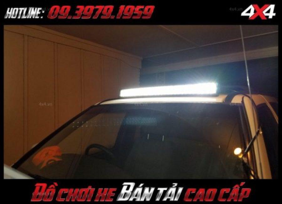 Picture led bar <strong>độ đèn Ford Ranger</strong>: Chiếc xe bán tải Ford Ranger ngày càng hầm hố, thể thao hơn khi được độ đèn led bar