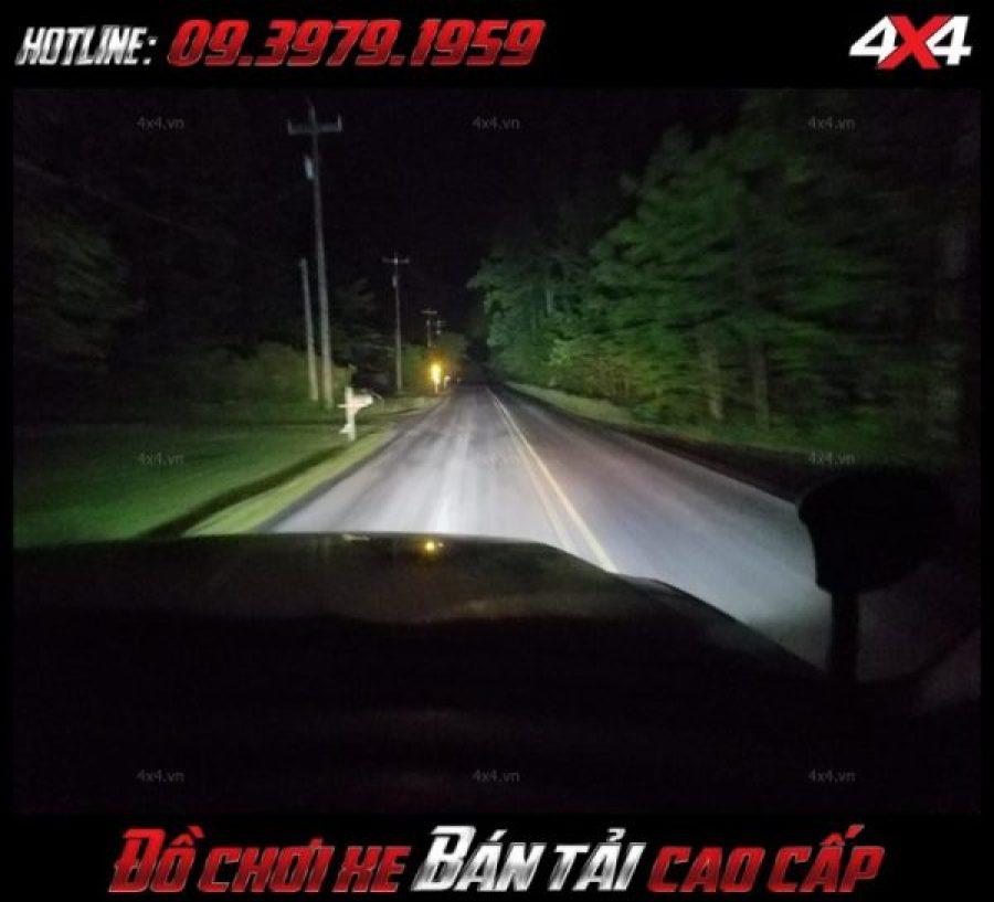 Bức ảnh led bar <strong>độ đèn Ford Ranger</strong>: Để trợ sáng tốt một số bạn có thể trang bị đèn led light bar cho mình