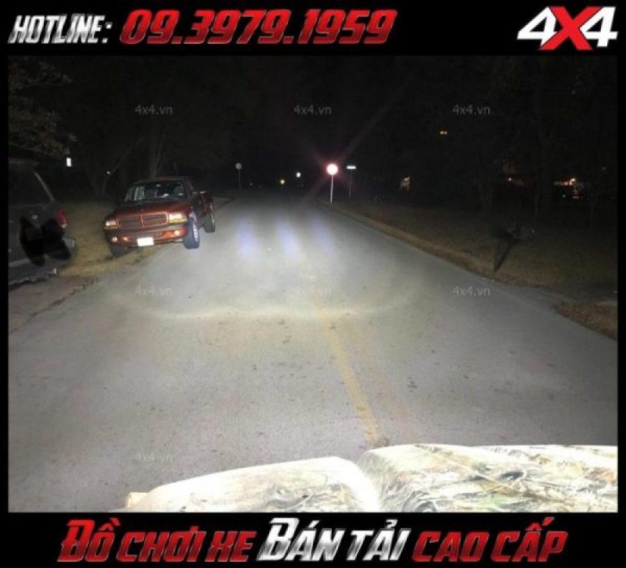 Đèn led bar 8D gắn nóc xe bán tải cực sáng, hỗ trợ sáng cực tốt vào ban đêm cho xe Ford Ranger
