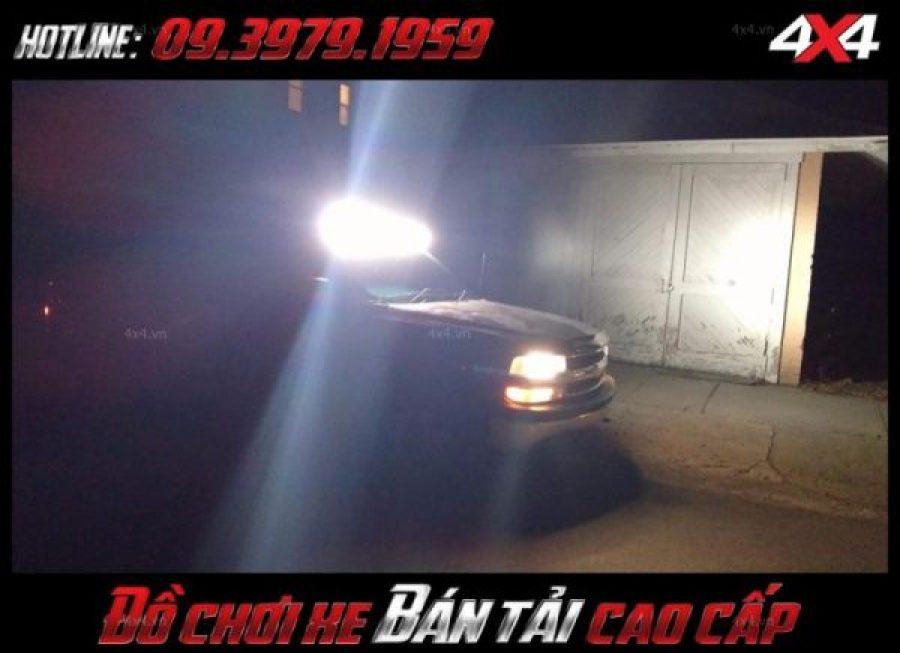 Hình ảnh <strong>đèn led nóc xe bán tải</strong>: Đèn led bar giúp dáng xe thêm hầm hố và ngầu hơn vô vùng nhiều