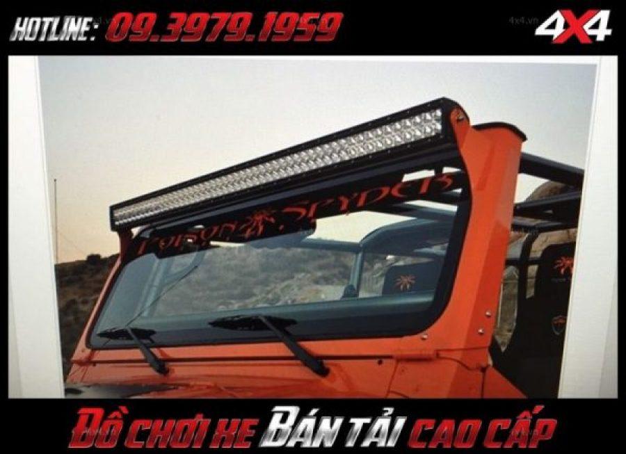 Picture <strong>đèn led nóc xe bán tải</strong>: Không chi đẹp đèn led bar ô tô còn trợ sáng cực tốt cho xe bán tải Ford Ranger