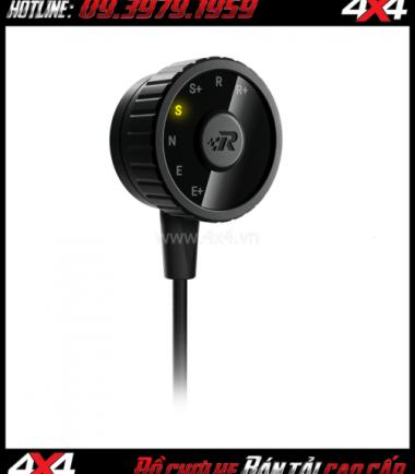 Tấm ảnh Cảm biến chân ga Racechip XLR giúp bạn dễ dàng điều chỉnh độ nhạy chân ga xe hơi
