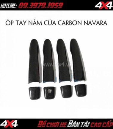 Picture: Ốp tay nắm và chén cửa carbon cho xe bán tải Nissan Navara NP300