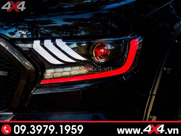 Tấm ảnh đồ chơi xe ford ranger: đèn Ford Mustang 3 sọc thẳng lắp đẹp và ngầu cho xe off-road Ford Ranger tại TpHCM