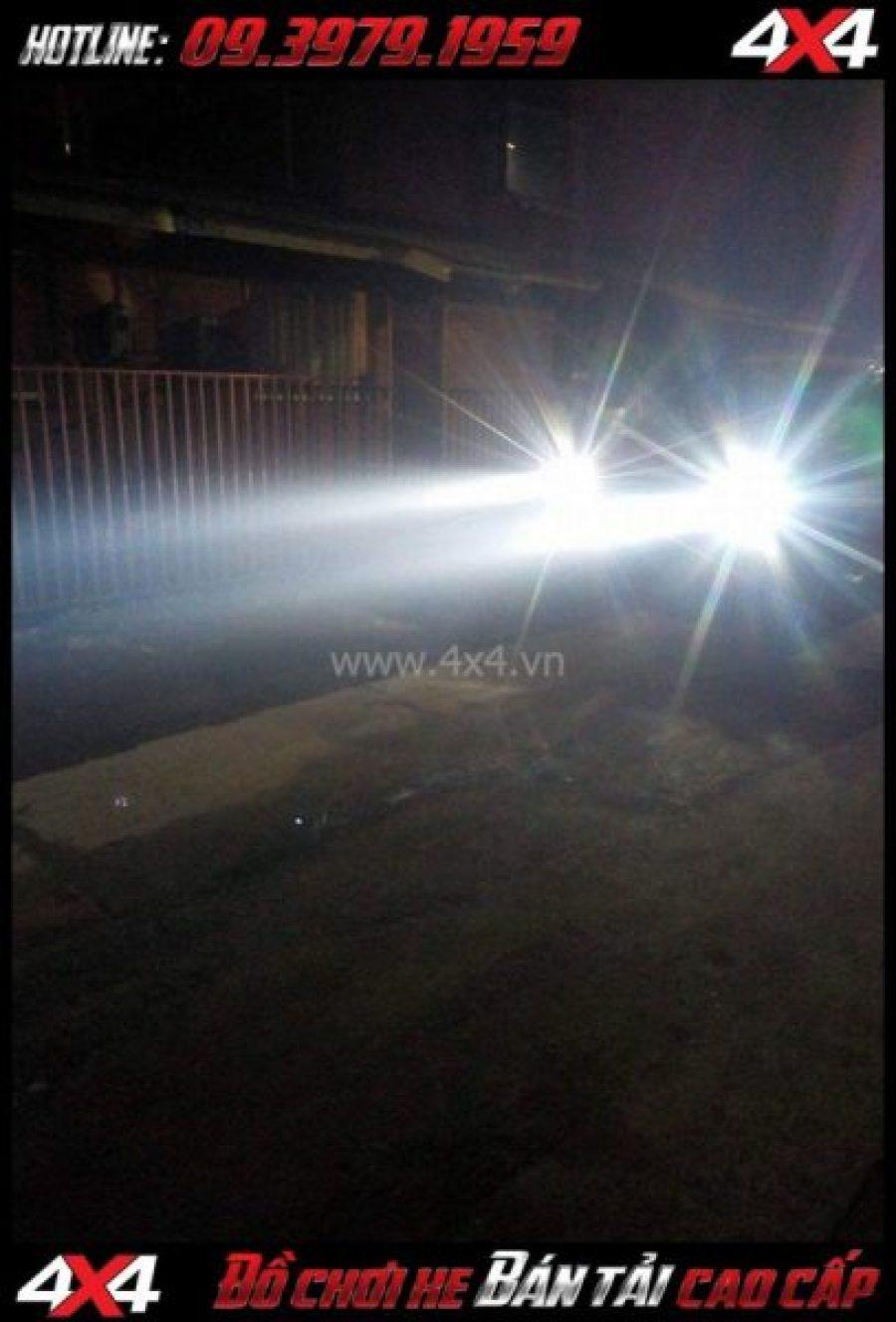 Hình ảnh cách tăng độ sáng cho Ford Ranger: Thay bóng Lumiled Philip, Osram cho đèn trước xe off-road Ford Ranger