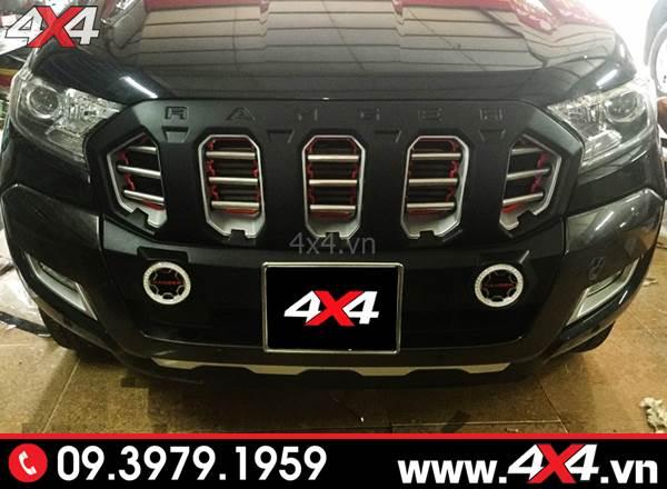 Mặt ga lăng  Ford Ranger: Chiếc bán tải Ford Ranger màu đen độ mặt calang FITT độc đẹp lạ