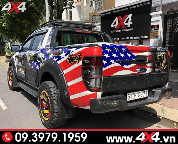 Đồ chơi xe Ford Ranger: Ốp cốp thùng sau bản nhỏ độ đẹp và cứng cáp cho xe bán tải