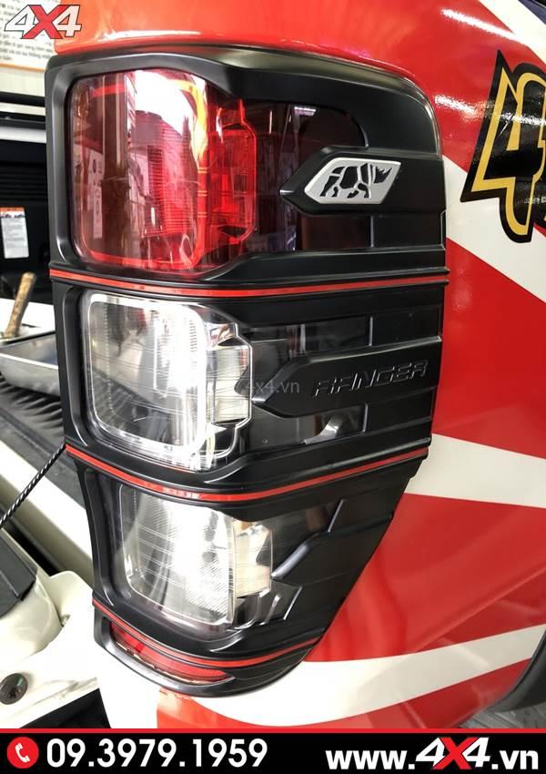 Đồ chơi xe Ford Ranger: Ốp viền đèn hậu màu đen độ đepn và cứng cáp cho xe bán tải