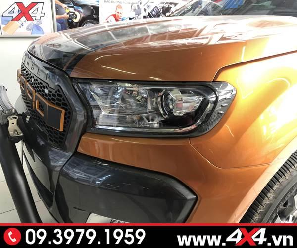 Đồ chơi xe Ford Ranger: Ốp viền đèn trước carbon độ đẹp và đẳng cấp cho xe bán tải Ford Ranger 2018 2019