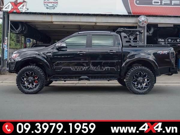 Ốp cánh cửa Ford Ranger bản lớn màu đen độ ngầu và cứng cáp cho xe Ranger