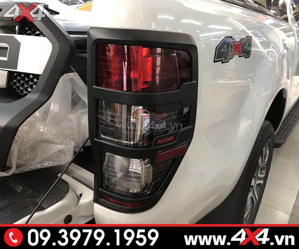 Ốp viền đèn hậu màu đen gắn cho xe For Ranger 2018 màu trắng