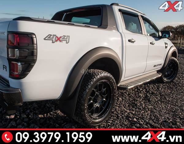 Ốp viền bánh xe Ranger loại trơn đen mờ đẹp và ngầu độ xe bán tải