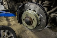 Proma-brakes-LC200-front-3