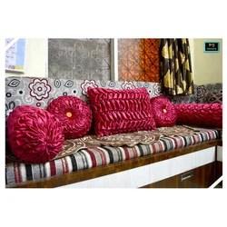 maroon color sofa pillow set