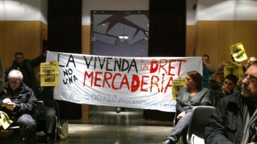 2013-12-02 audiencia 9barris cabrejada rebutja privatitzacions