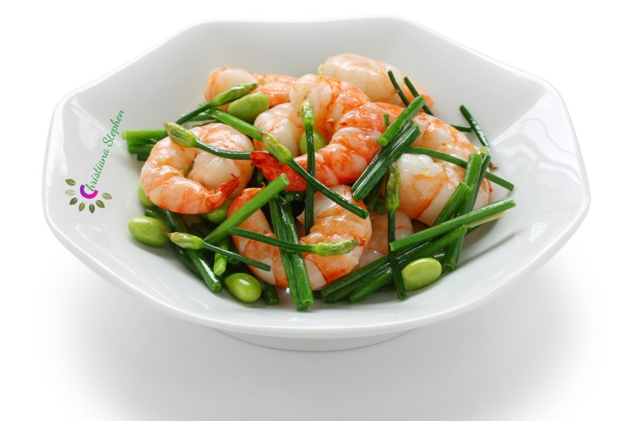 stir-fry flowering chinese chives with prawns and edamame