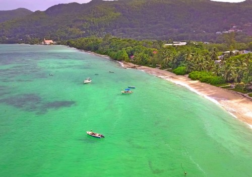 lundi soleil bleu seychelles ile de Mahe drone